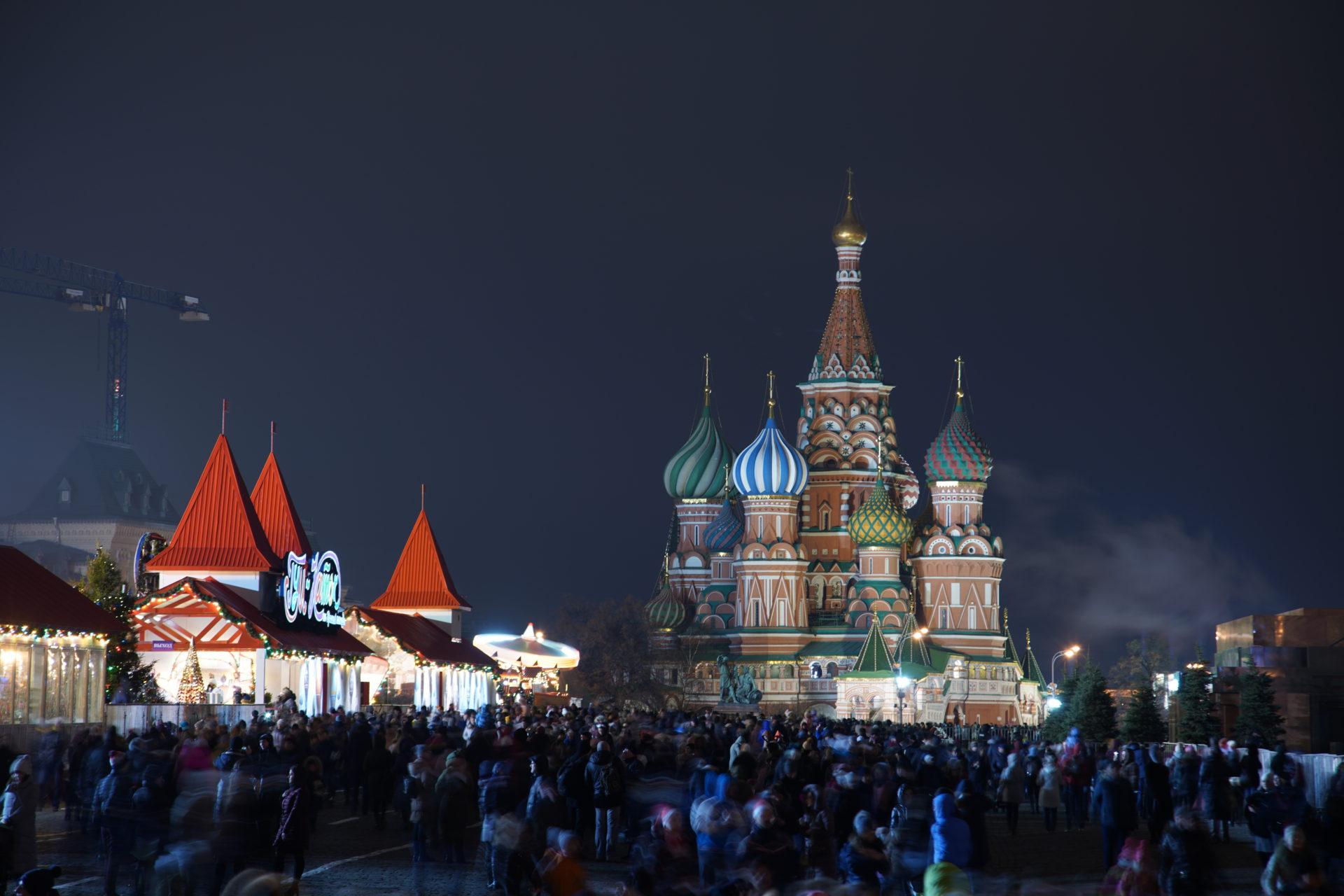 La place rouge de Moscou sous la neige