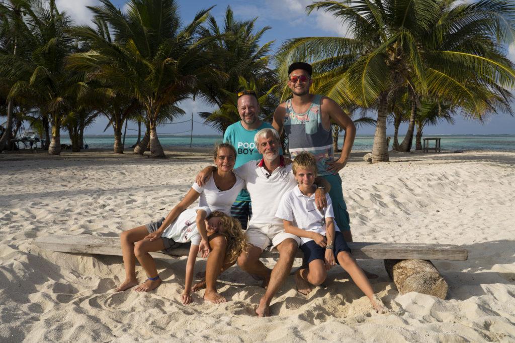 La famille Fakarêver et nous